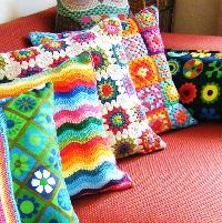вязаные подушки
